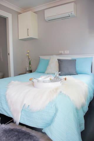 Comfy bed...
