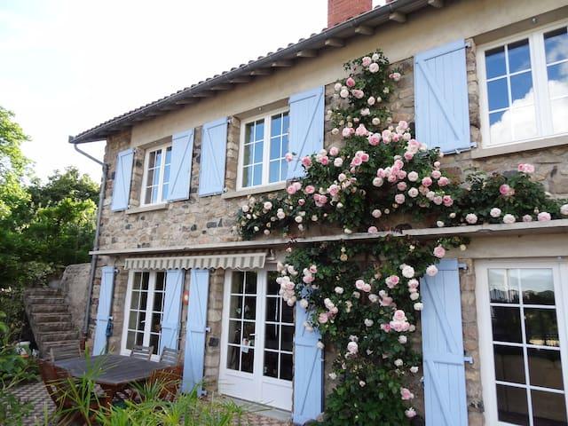"""Gite de charme """"les jardins suspendus"""" Haute Loire"""
