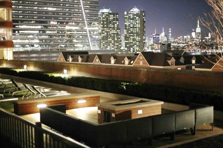 Lifestyle You Deserve  1 BR Penthouse w/ NYC View
