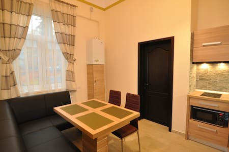 Select City Center Apartments - Courtyard Apartment - Brasov