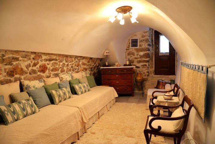 παραδοσιακή κατοικία «Δέσποινα» - Agios Georgios Sikousis - Řadový dům