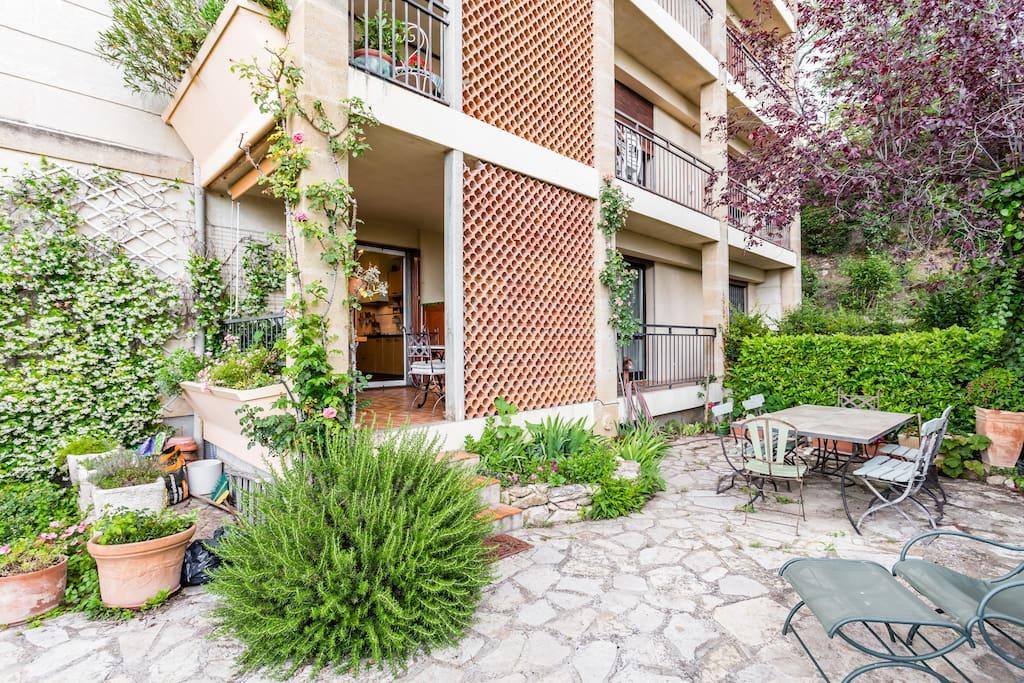 Chambre 14m parking ferm atelier cezanne appartements louer aix en provence provence - Chambre d agriculture aix en provence ...