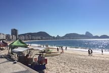 Copacabana Beach Posto 5 - 3 blocks a way