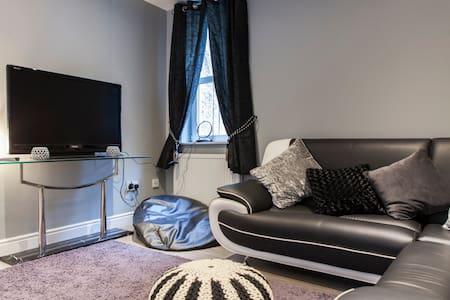 Hillplace hideout - Kirkcaldy - Wohnung