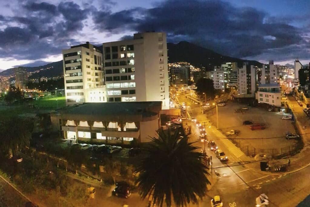 Vista Oeste Av. Almagro - Universidad FLACSO -