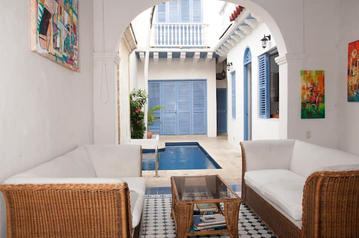Beautiful 4 Bedroom House Old City
