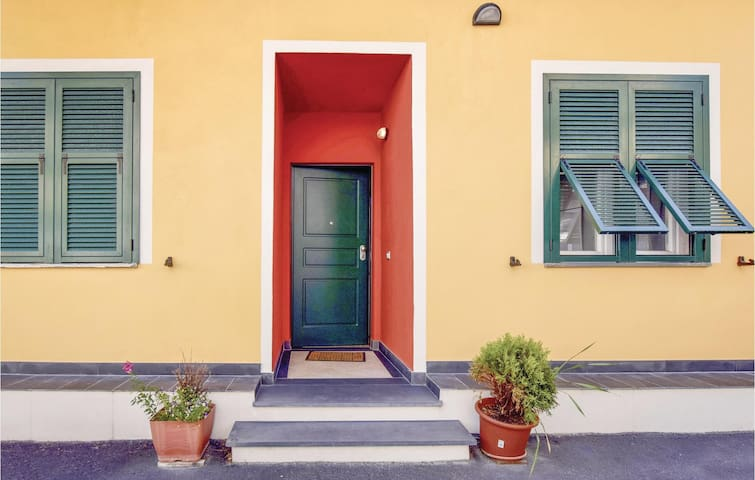 Holiday apartment with 2 bedrooms on 65m² in Imperia (IM)