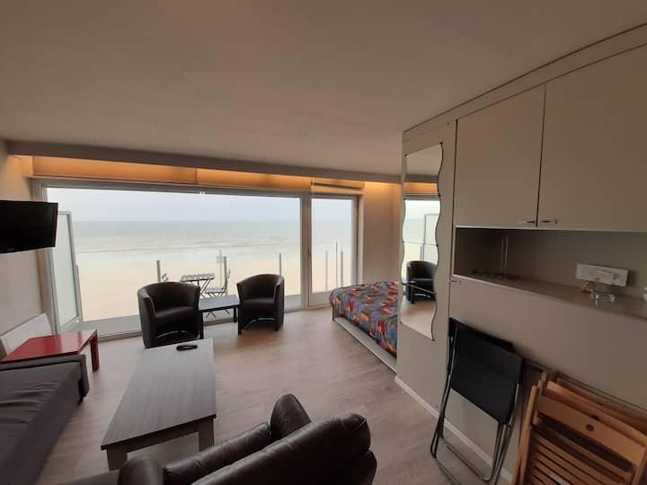Imm. & Appartement renovés, sur digue,vue sur mer