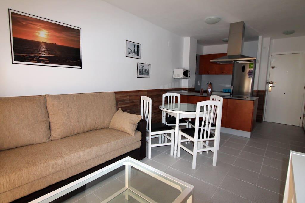 Apartamento econ mico en chiclana con piscina apartamentos en alquiler en chiclana de la - Apartamentos chiclana ...