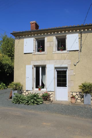 End of terrace house in Vendee