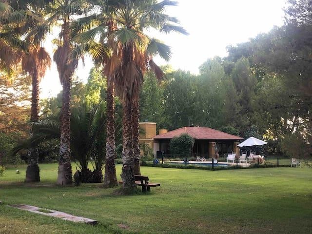 Mendoza Casa de campo, Los caminos del vino lujan
