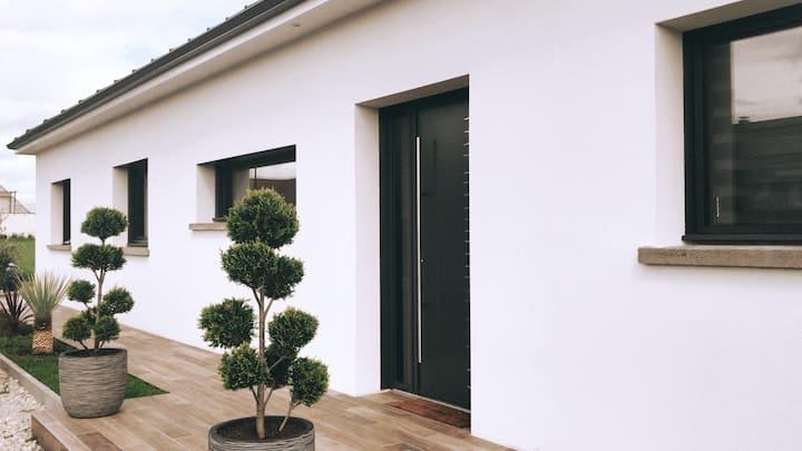 ----» Villa contemporaine proche des vignobles .•°