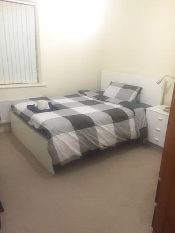 Beautiful double room - South Ockendon