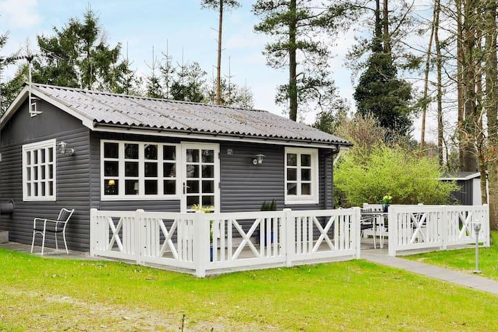 Maison de vacances traditionnelle avec terrasse à Ans