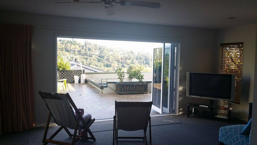 12b Flaxmore Place Sunny Townhouse - Nelson