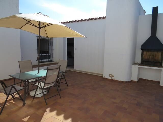 COR. Semi-detached house at 1.300m to the beach and 2.500m to Roses center