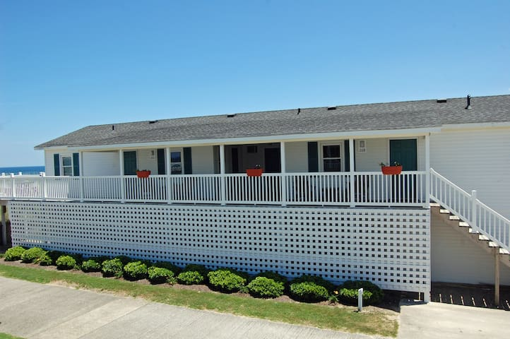 # 268 Wilbur & Orville Cottage Ct- OBX Oceanside!