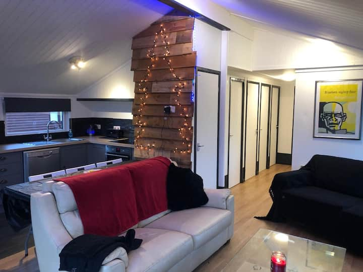 3 Bedroomed Chalet on Cotswold Water Park