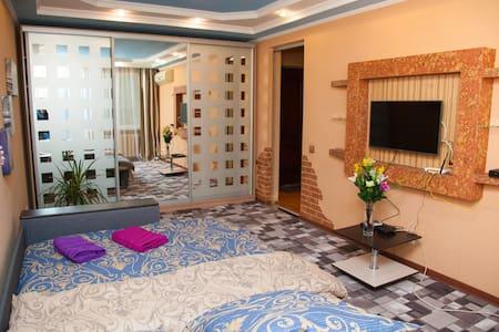 Semi-luxury Apartment on Stalevarov 28a