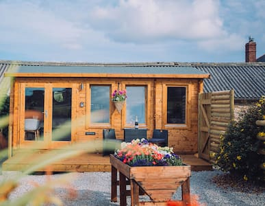 Meadow View Cabin - Glamping St Ives Cornwall