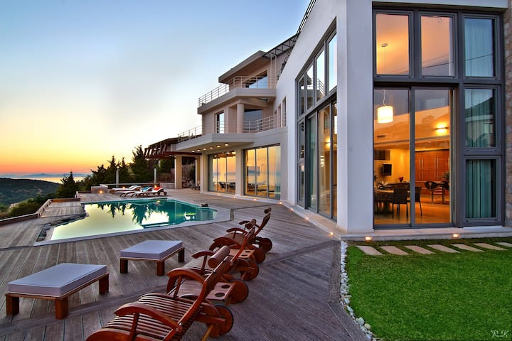 Villa Take Off, Magnificent Views,Luxurious Design