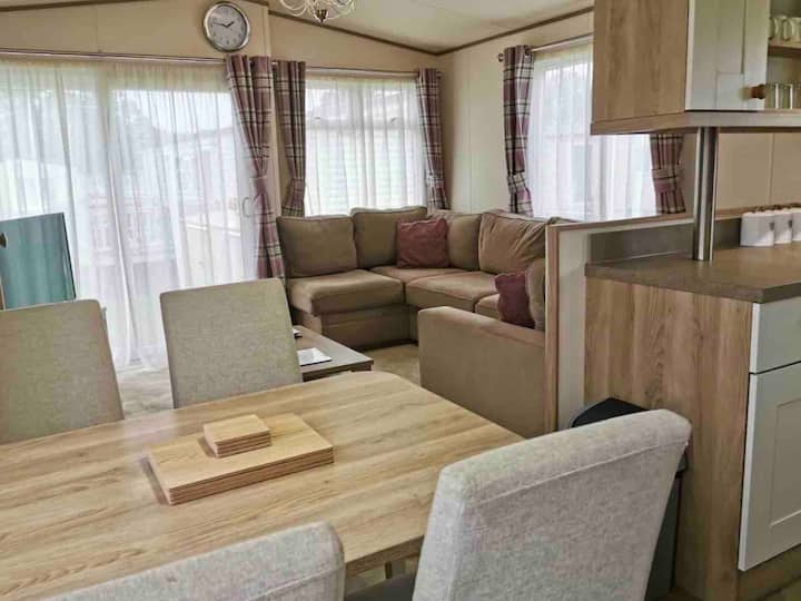 Oaklands Caravans: St David