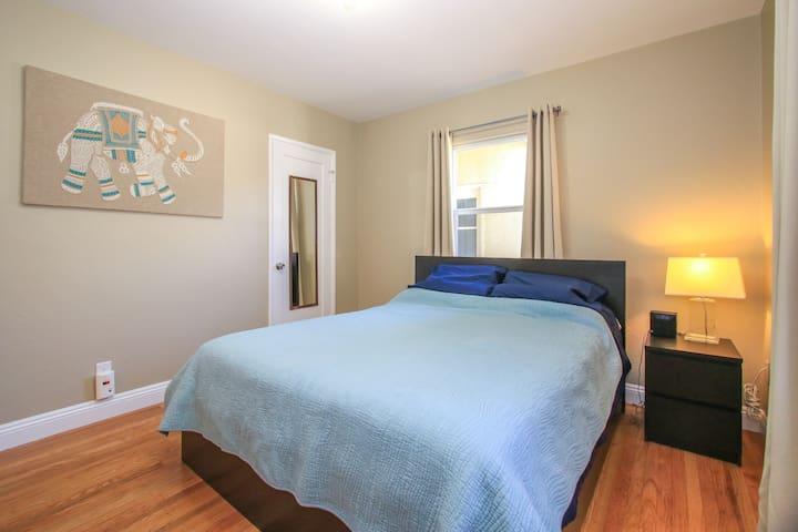 Bed with Queen Size foam mattress