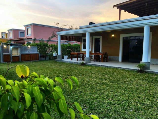 Casa completa en condominio de playa y campo