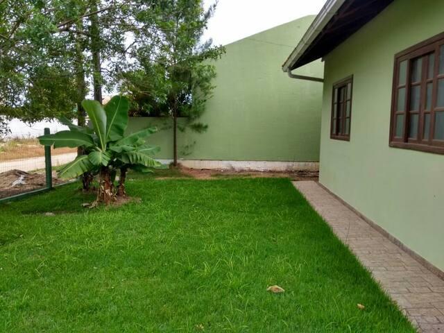 Casa de praia na Pinheira. A 2 min da praia.