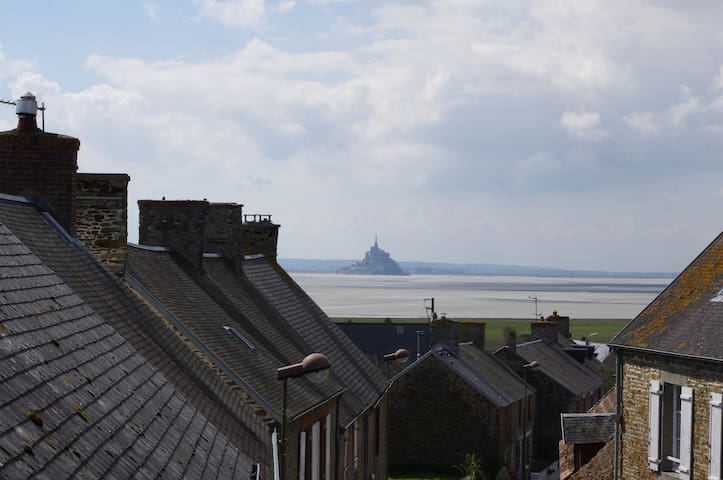 Lovely village farmhouse bay of Mont Saint Michel