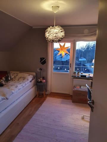 Bedroom with 90 cm bed.
