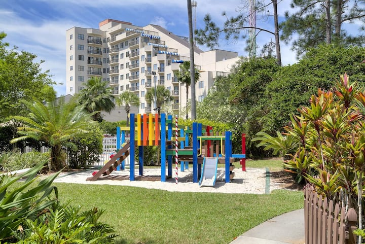 COZY CONDO WITH 4 BEDS 1 mile from Universal