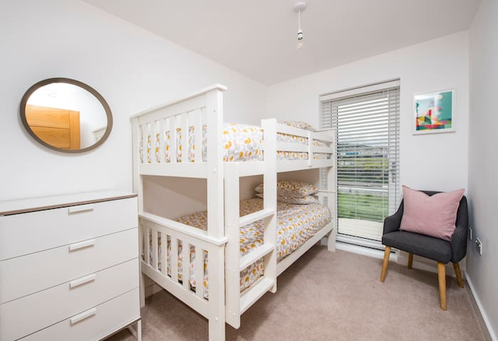 Bunk beds (2x 3ft wide standard singles) with chest of drawers