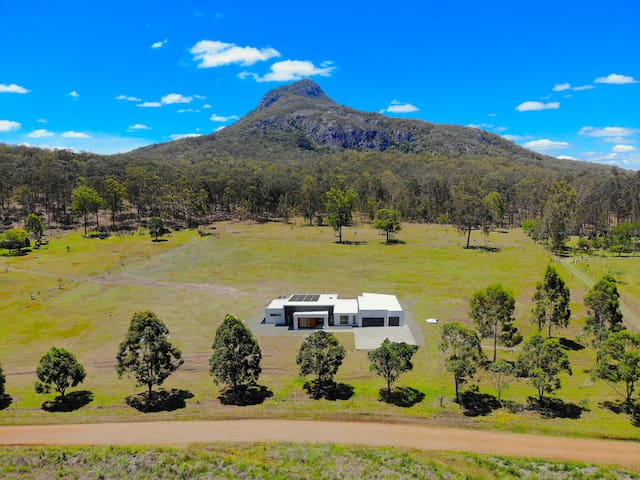 Explore the Scenic Rim region then... relax!