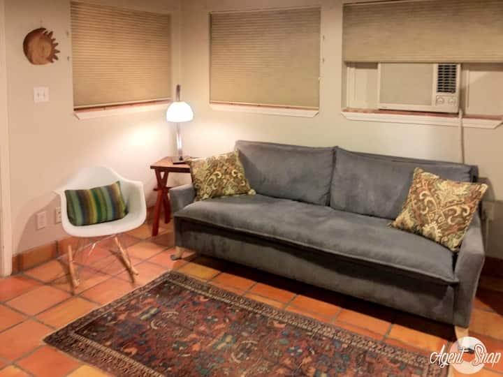 Studio Apartment in Historic Neighborhood