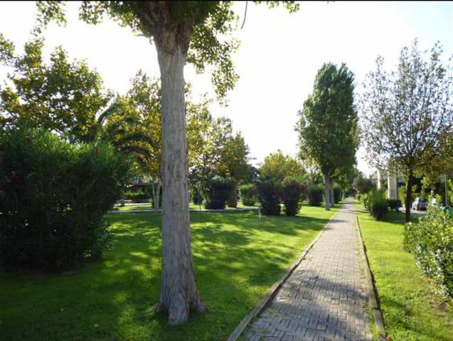 Villaggio turistico. Mare e Matera. Casa su 2 livelli con veranda abitabile e cortile interno - Metaponto lido - Apartament