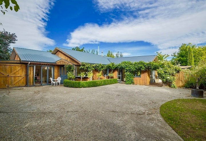 Wisteria Lodge – Close to Lake and Cromwell Old Town