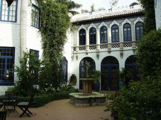 Joseph Wesley Young Mansion - ハリウッド - 別荘