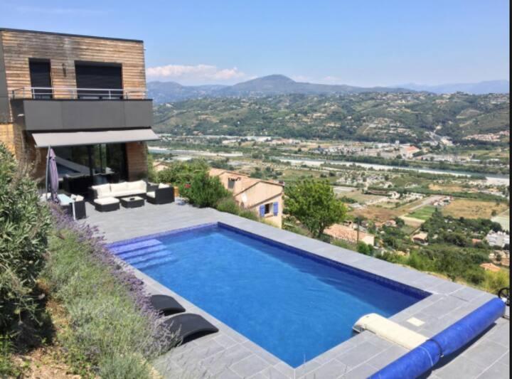 Villa d'architecte. Piscine, vue mer & montagnes