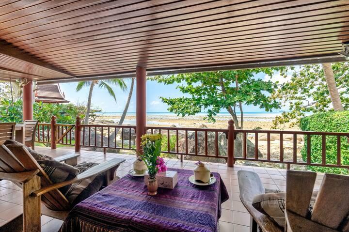 Beachfront Balinese style 2 bedroom stunning villa
