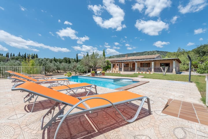 """Mediterranean Finca """"Ses Comes"""" with Wi-Fi, Garden, Terrace and Pool; Parking Available"""