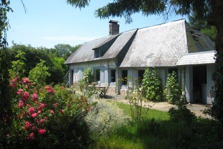 MAISON NORMANDE A  5MN DE HONFLEUR - Fourneville - Huis