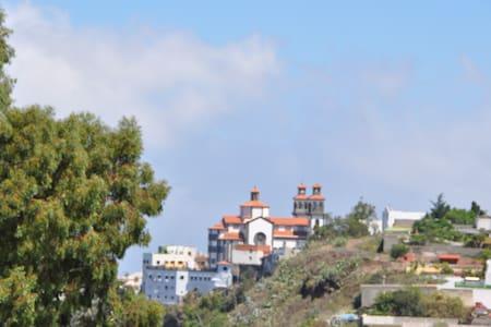 Casa Paisajística - Moya