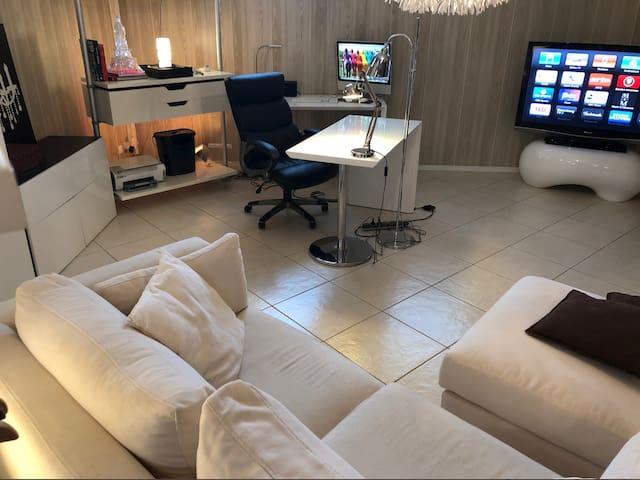 Chambre et Suite 95m2 GRAND PARIS