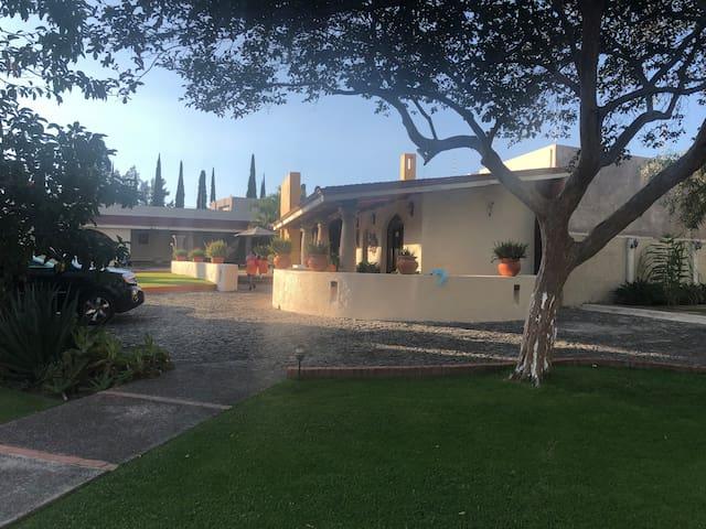 """Hacienda """"Los Pinos"""""""