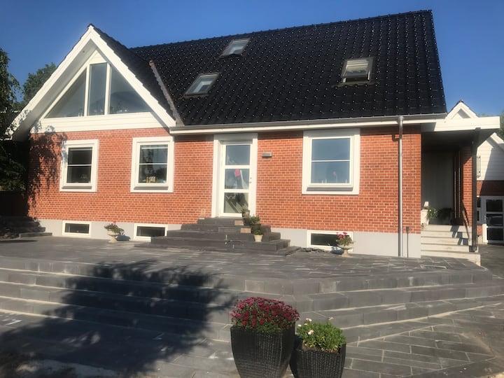 Søhuset Viborg-incl lækker morgenmad.