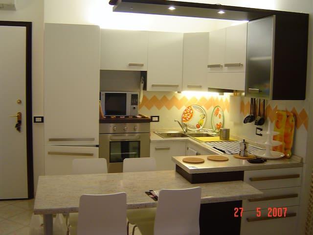 Bilocale ristrutturato fronte mare - Chiavari - Condominium