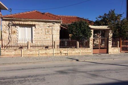 Petrino House - Kamari - Huis