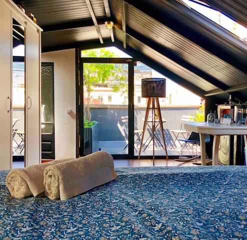 Bonita habitación con terraza privada