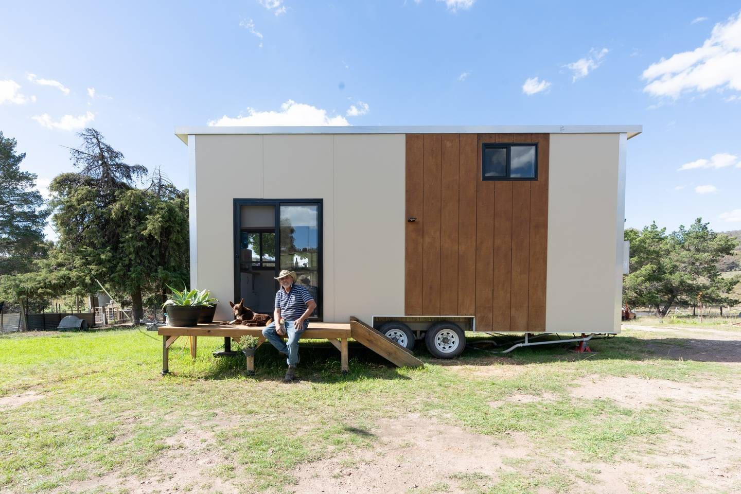 welcome! my name is Fernando and i'm your host for the tiny house